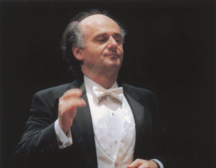 Nurhan arman conductor short biography for Arman biographie