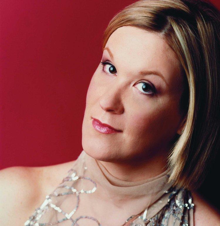Alice Coote (Mezzo-soprano) - Short Biography
