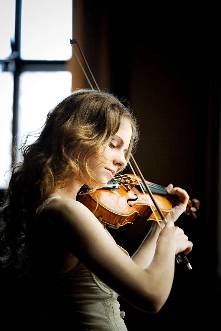 Julia Fischer (Violin, Piano) - Short Biography