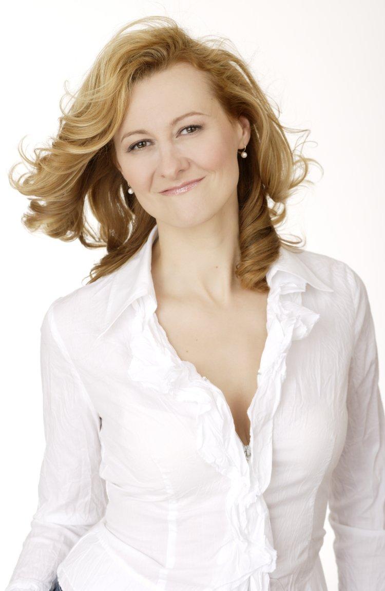 hermine haselbock  mezzo-soprano