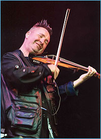 Nigel Kennedy (Violin, Conductor) - Short Biography [More