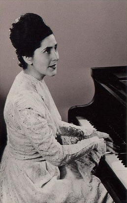 Lili Kraus (Piano) - Short Biography