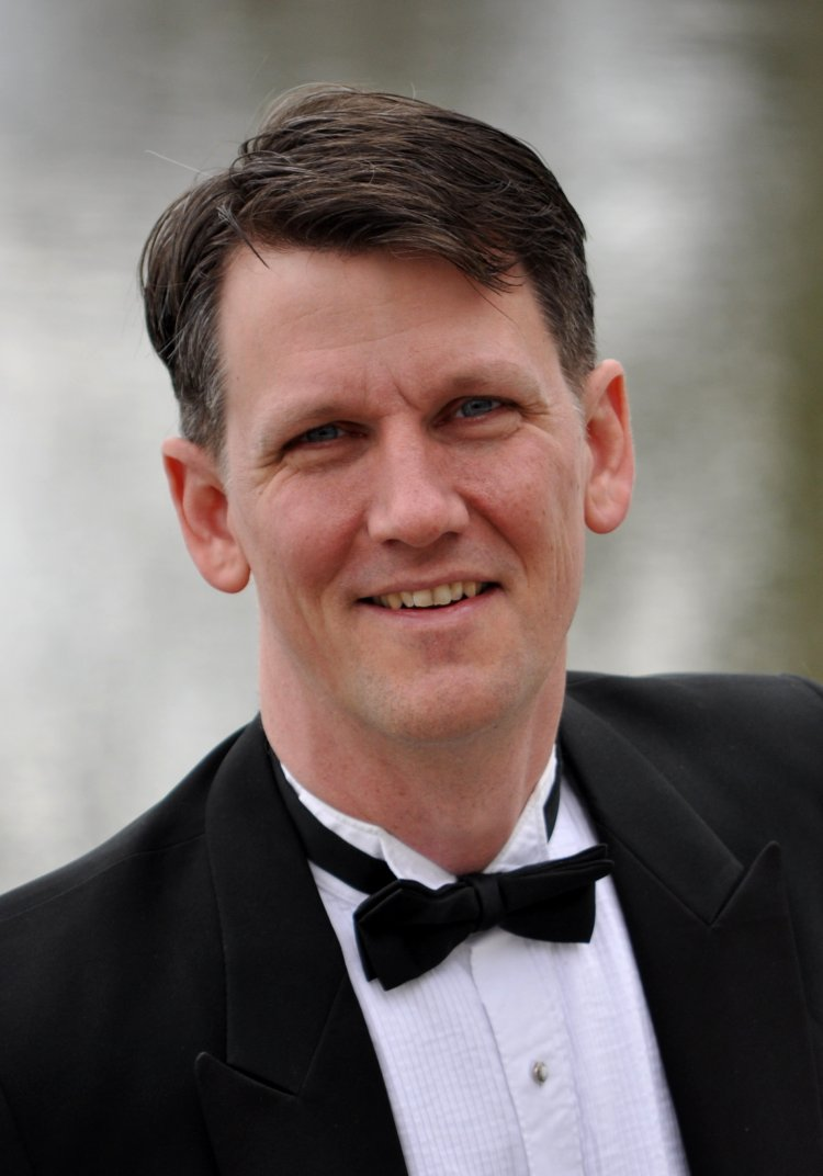 David Newman (Baritone) - Short Biography