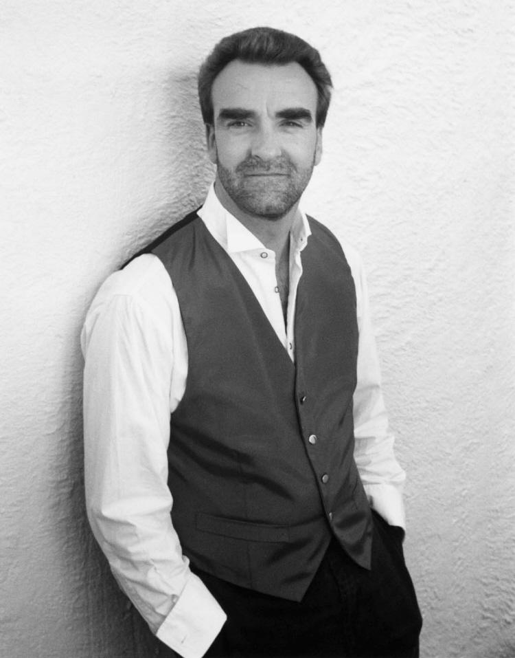 Jonathan Plowright (Piano) - Short Biography