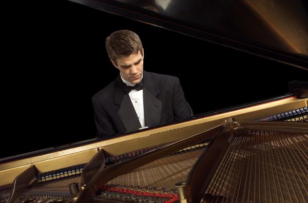 J 17 Joseph Rackers (Piano)...