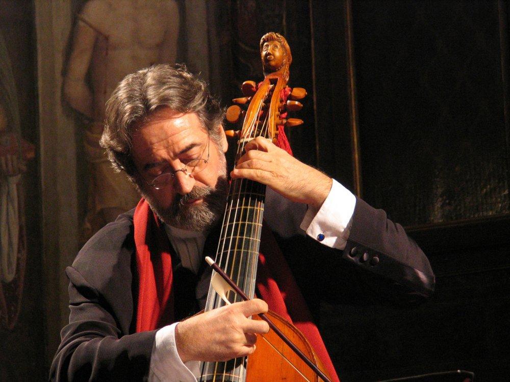Jordi Savall (Viola da gamba, Conductor) - Short Biography [More ...