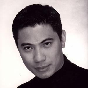 Jonathan de la Paz Zaens (Bass-Baritone) - Short Biography