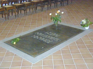 Bach in Arts - Bach Grave